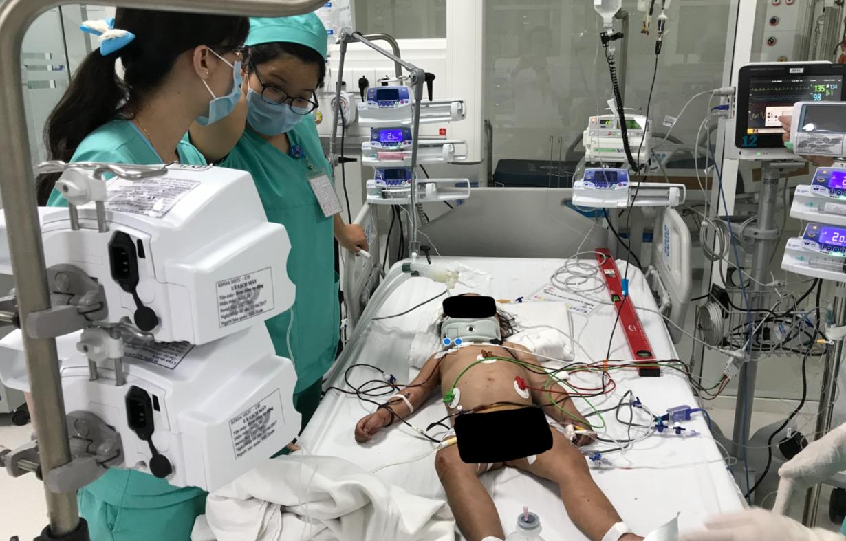 Tại khoa Hồi sức ngày 4/1/2018, bệnh nhi có dấu hiệu phục hồi tốt