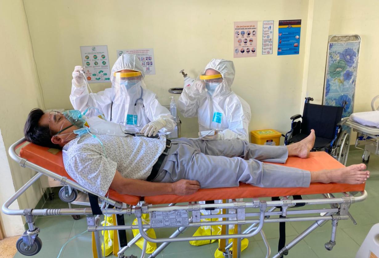 Bệnh viện dã chiến của thành phố Hồ Chí Minh được vận hành thế nào? - Ảnh 9.