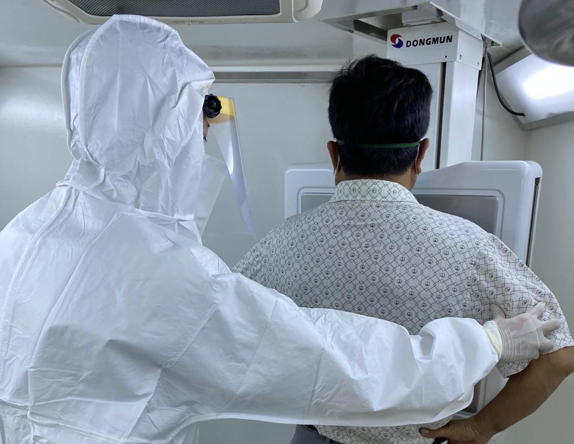 Bệnh viện dã chiến của thành phố Hồ Chí Minh được vận hành thế nào? - Ảnh 12.